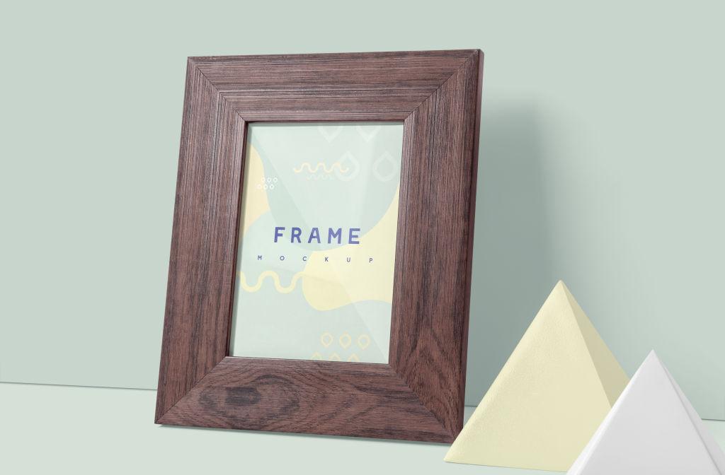 多角度文艺木质肖像相框样机 Portrait Wooden Picture Frame Mockup