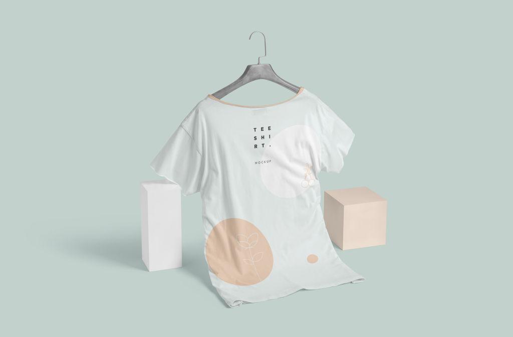 宽领半袖T恤样机PSD分层贴图模版Wide Neck Half Sleeves T-Shirt Mockups