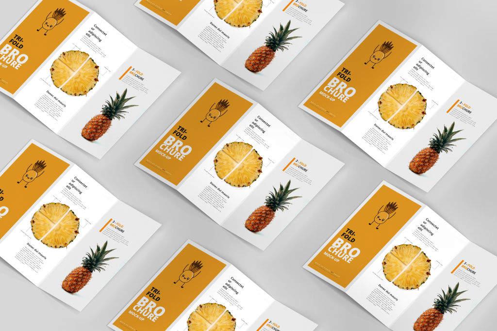 多角度设计展示三折页样机PSD贴图模版3 Fold Tri-Fold Brochure Mockups